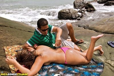 Latin MILF Izadora Fantini gets her butt pounded hardcore on the beach