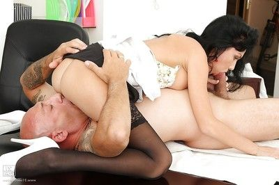 Alluring secretary in  brings her dark hole into have fun with her boss