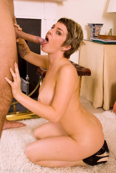 Nice mature isabelle ice with hairy wet crack fucking a stallion