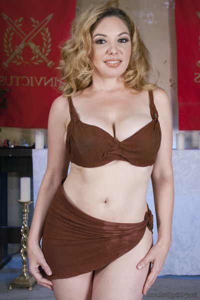 Willing to do anything for her emperor, kiki daire is shoving herself so hard sh