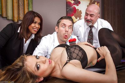 Latina slut Yurizan Beltran sucks off the the boys from the office