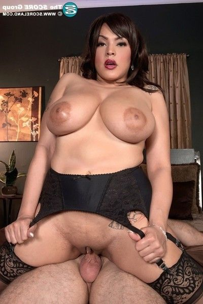 Gigantic tits cat bangles having a deep anal sex