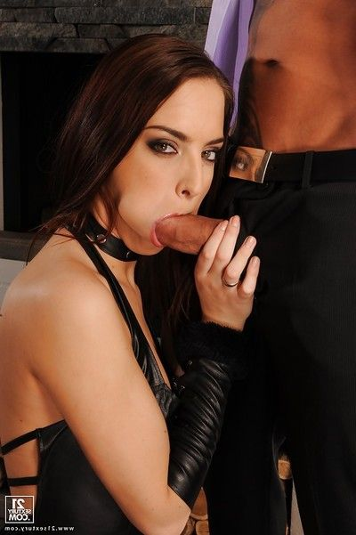 European hottie Lyen Parker obtains her amazing ass hammered raw