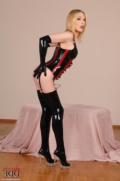 Latex stocking and want glove attired fetish chicito Lily LaBeau wanking