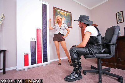 Hot office lady Diamond Foxxx fucks the hell out from a well-hung stud