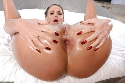 Big ass MILF Phoenix Marie fists her own filthy oiled asshole
