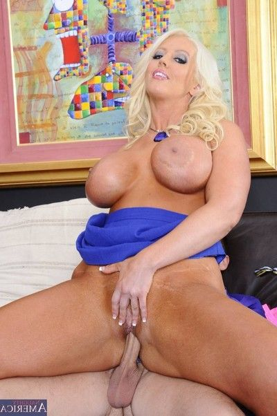 Beast titted milf lady in complete sex activity