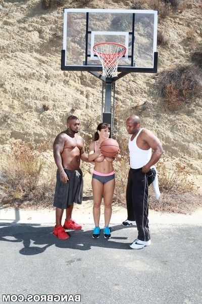 Athletic milf lisa ann double dug by twofold black basketball