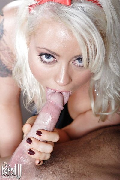 Blonde cunt Lorelei Lee deepthroats a enormous cock and gains anally crashed