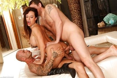 Lalin girl MILF pornstar Franceska Jaimes taking hardcore two fucking one