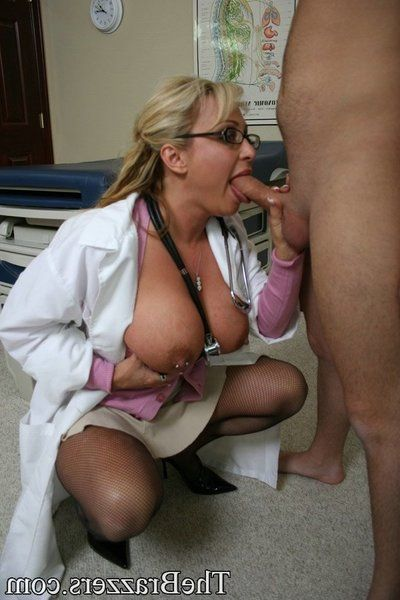 MILF babe in doctor