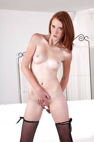 Adolescent redhead model Pretty Linda toys her own dark hole and snatch