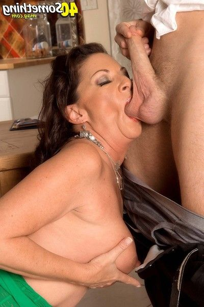 Cougar margo sullivan takes enormous dick up her a-hole