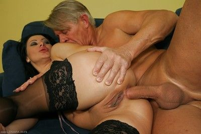 Sandra Romain accepts her anal break stretched with sex toys and a big raw dick