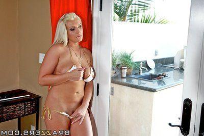 Curvy big titted milf Sadie Swede takes off her bikini and gets her big waste banged