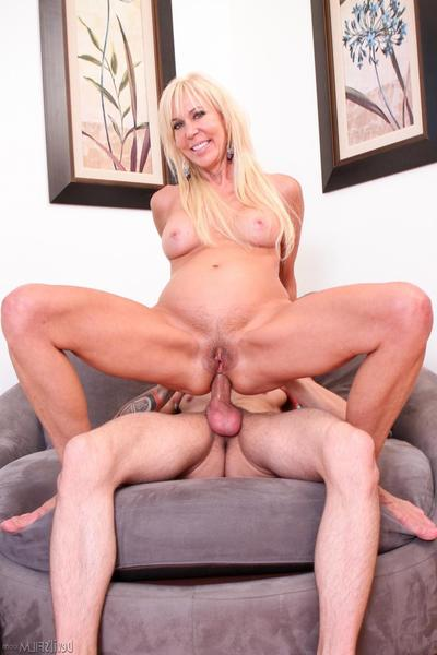 Curvy milf Erica Lauren gets pride in butt hole and maw and makes dude pretty soon ejaculate