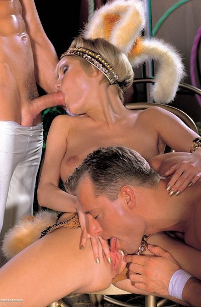 Vintage buttfucking Male+Male+Female with brutal blond