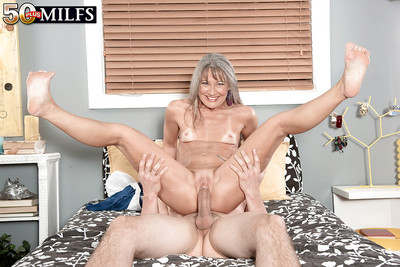 Chinese mama Leilani Lei giving and receiving oral-stimulation fucking submission sooner than cum flow