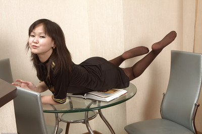 Oriental Infant wench Alexa shows anything that boys covert spot