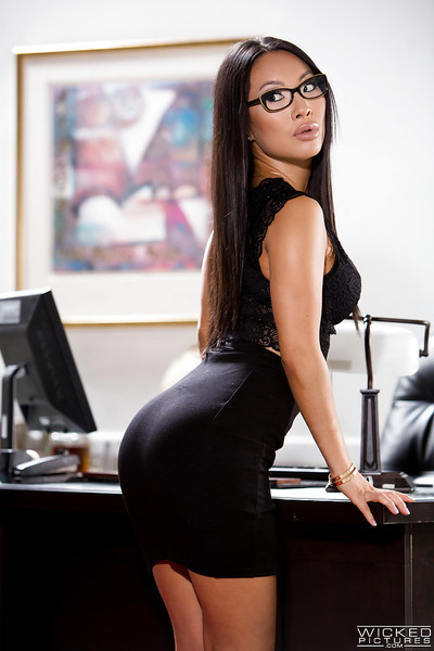 Glasses clothing Chinese solo hottie Asa Akira unveiling widen pornstar love-cage