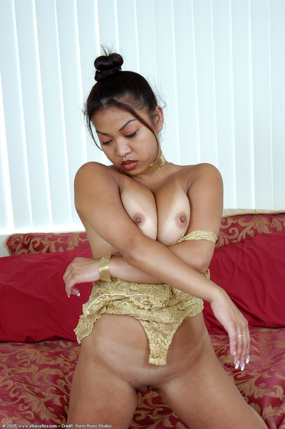 Infant Japanese lass lets off massive young angel mangos from underware in high heels
