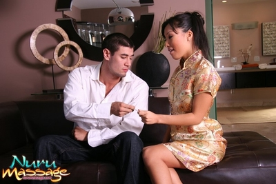 Sensational Oriental courtesan Asa Akira admires glorious shower with strangers