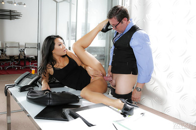 Rounded high heeled Oriental pornstar Asa Akira giving oral play in office
