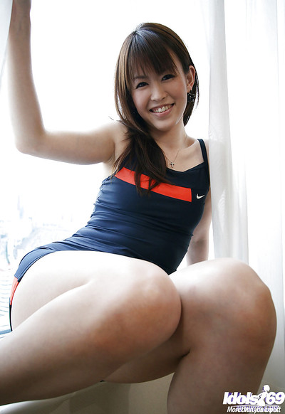 Smiley eastern sugar-plum acquires her sport outfit ripped and lets slip her marangos