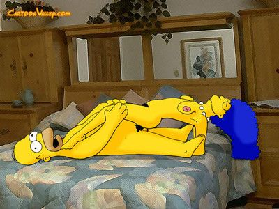 The simpsons make a decision to share some view from their clandestine family album