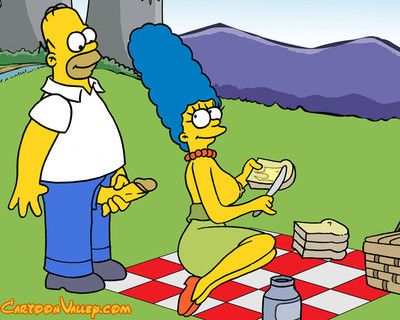 Marge surprises homer at put into with a food basket, inviting him to a naughty picn