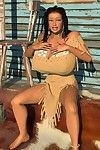 Large breasted 3d american indian hottie posing outdoors