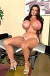 Amazingly stacked 3d model flashing her severe globes