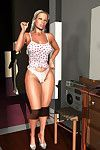Vast anus 3d blonde shaking her super moist apple bottoms