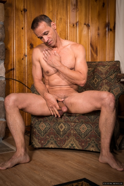 The whole gang is out playing sports, and Kory Houston gets hungry, and decides to head back to the house with Professor Rodney Steele. Chatting on the couch with his Dad