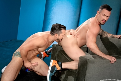 Massive muscle meets even more muscle when Jimmy Durano introduces his tough cock to Seven Dixon who is shortly on his knees trying to get that meat down his throat. Seven