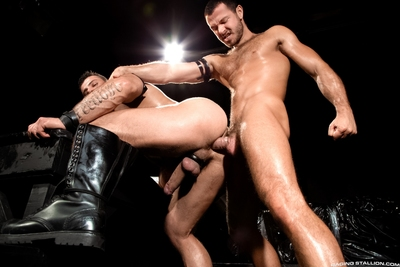 During the smoke, a spotlight ricocheting off the walls is all that illuminates Jessy Ares and Alex Marte in the shady club. Heavy Alex towers over Jessy, but he
