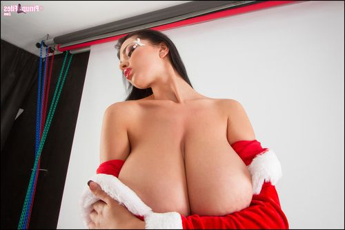Candid shots of Busty Sha Rizel s debut holiday release
