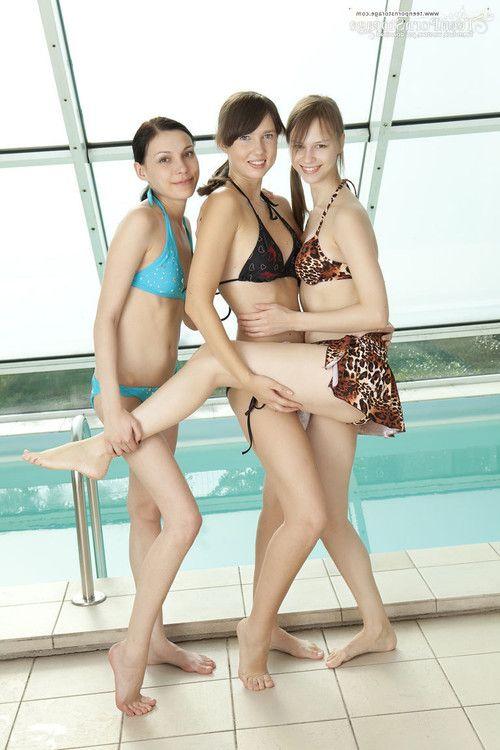 3 sexy girls