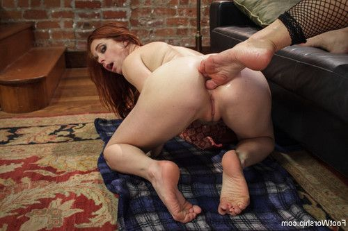 A holiday surprise with soggy hot dominating lesbian foot sex!
