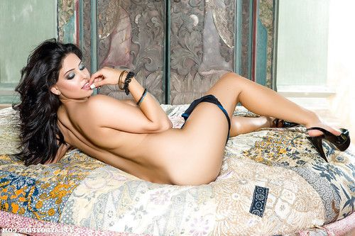 Splendid Lily Rae is posing like centerfold in her bedroom
