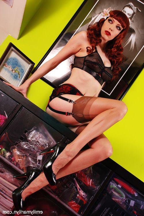 Emily Marilyn fetish goddess in stockings fucking xxx dildo action