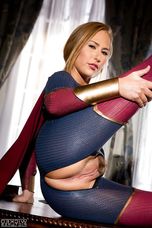 Leggy blonde pornstar Carter Travel sets up crotchless outfit to expose bawdy cleft