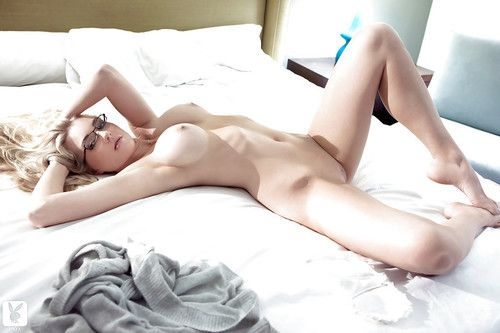 Sticky babe in glasses Stephanie Christine uncovering her sexy body
