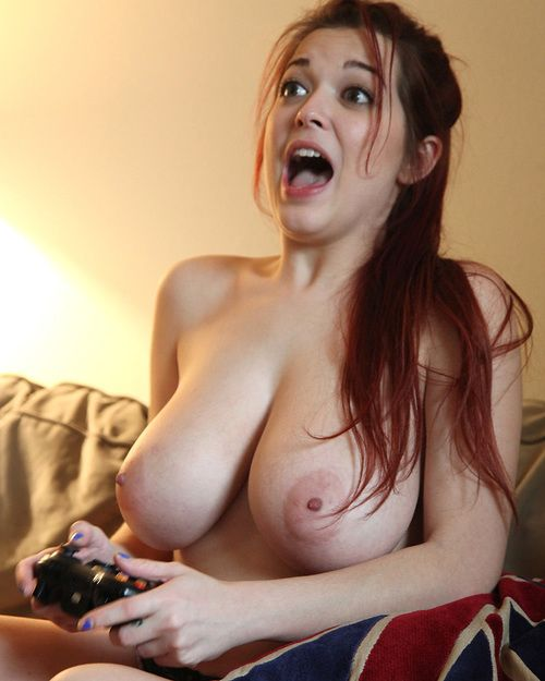 Redheaded gamer pretty Tessa Fowler flaunting giant all common juggs