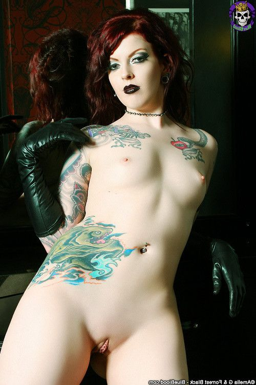 Classic redheaded goth hottie penny poison in black lingerie