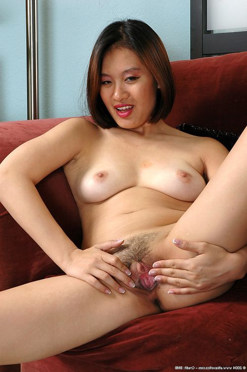 Amateur Asian angel in glasses revealing hairy cum-hole bottom panties