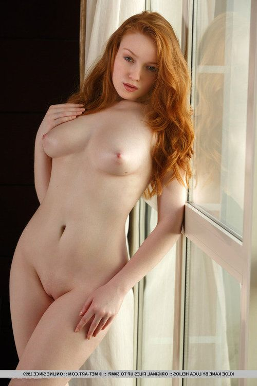 Alluring redhead Kloe Kane displaying hairless young girl vagina