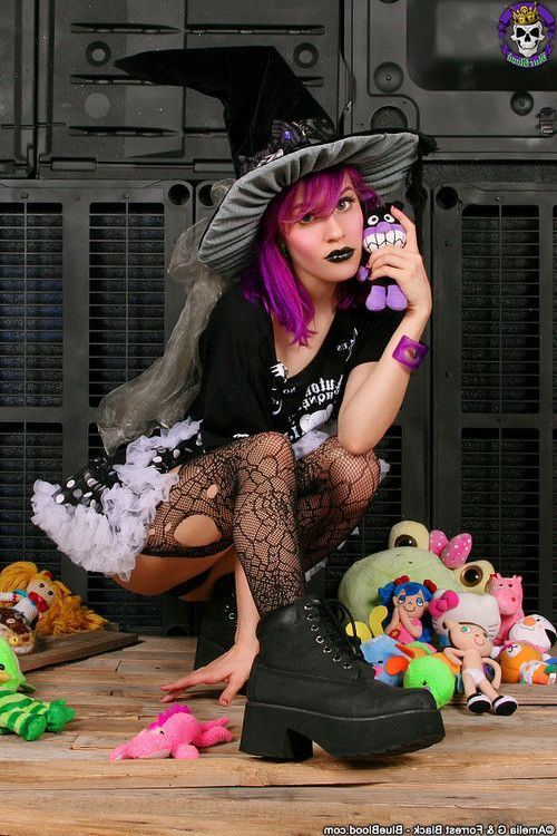 Spooky cute gothic witch girl dorothy perkins undressed