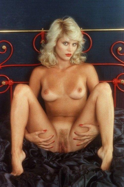 Vintage pornstar ginger lynn allen wanking in solo action
