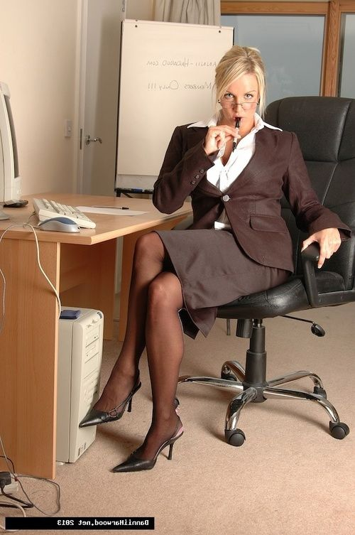Hot office lass Dannii Harwood was keen to get you into her office so she could reveal her wicked exclusive of office ways!